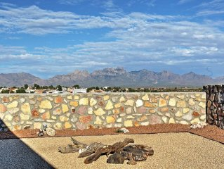 3BR Las Cruces House w/Patio Mountain View!