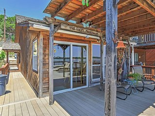 Lakeview 2BR Condo on Lake Granbury - Perfect for Couple Getaways or Family Trip
