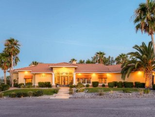'Oasis of Golf Greats' Lavish 4BR Las Vegas Home w/Private Pool, Golf Simulator