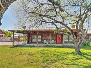 Comfortable 2BR Horseshoe Bay Lakefront Cabin w/Covered Porch, Boat Dock & Fire