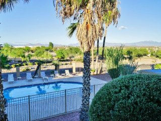 Gorgeously Renovated 2BR Fountain Hills Condo w/Wifi, Gated Community Pool & Spe