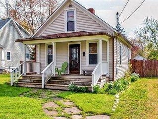 Pleasantly Quaint 2BR Three Oaks Home, Deck & Very Nice Fenced Yard - Close Prox