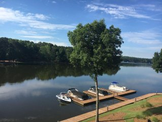Lakefront Sleeps 8-10, Boat Dock/Kayaks, 2400sq Luxury/Golf Fun/UGA