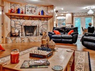 'Lavinder Laurel Leaf Cottage' Secluded 2BR Lakemont Home w/Big Stone Fireplace,