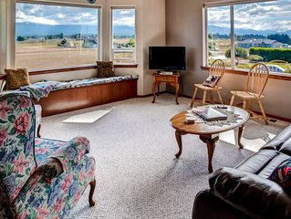 A Charming Fly-in; Drive-in, 3BR Sequim Home w/ Spectacular Olympic Peninsula vi