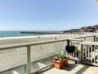 Tropical 2BR Cayucos Beachfront Condo w/Wifi, Private Patio & Stunning Water Vie