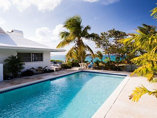 Luxurious Beachfront Villa /Swimming Pool