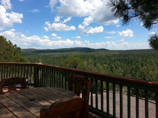 Spectacular Mountain Views Cabin Retreat 5 min to ATV Trials, Natl Forest, Town