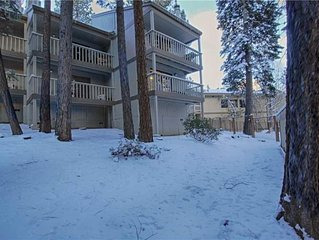 Sleeps A-Lot! Near Northstar! Fireplace & Wifi! 3 Levels, Sleeps 10