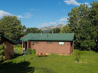 Clean, Spacious, Affordable Vacation Rental! Read our reviews! Sleeps 8