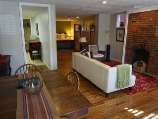 Great Value, Spacious And Beautiful In a Quiet Downtown Neighborhood