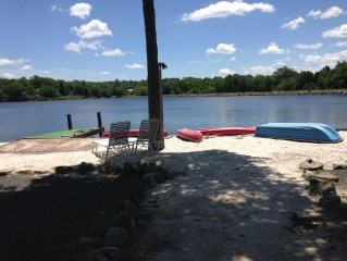 5/6 bdrm lakefront 3.5 bath jacuzzi, only one summer week left