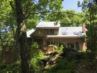 Gorgeous, Well-Appointed, Private Mountain Home, Fireplace, WiFi, Large Patio