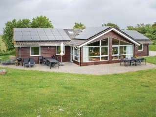 6 bedroom accommodation in Knebel