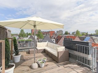 Comfortable apartment in vibrant the Pijp with sunny private roof terrace