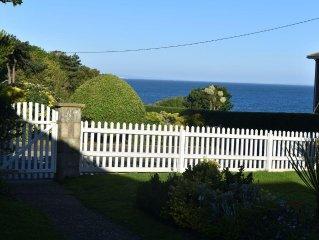 'Cliffway' Totland, peaceful, own gdn, SEA VIEWS, 5mins walk to beach/coast