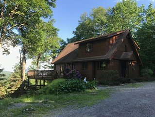 Catskills mountain top log cabin home close to Belleayre!!!