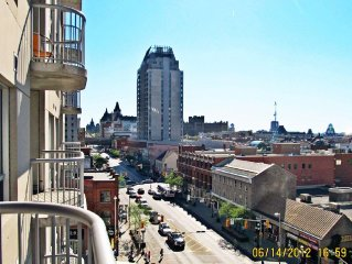 Luxury Downtown Ottawa Condo 2bd/2ba