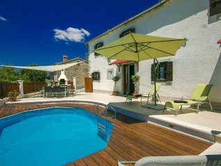 Traditional house with private pool and panoramic views, incl. Wi-Fi and air co