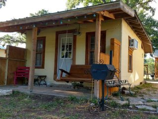 Casita Blu Dos with access on Guadalupe River