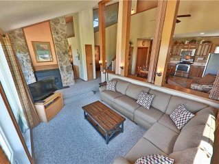 Mountainside 47: 1.5 BR / 3 BA condo in Granby, Sleeps 9