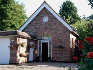 Pump House Lodge - Turners Hill