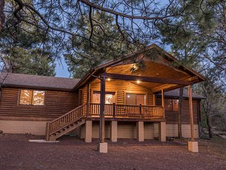 Charming log cabin in Pinetop Country Club