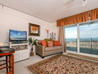 Beachloft is a one bedroom oceanfront unit with a outdoor pool