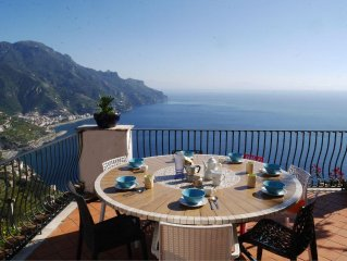 Villa in Ravello with Stunning Sea Views + Secure Parking -- See July/Aug Offers