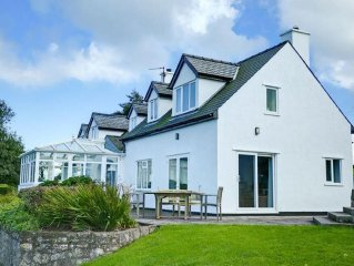 Large dog friendly house with stunning sea views - sleeps 10 (up to 8 adults)