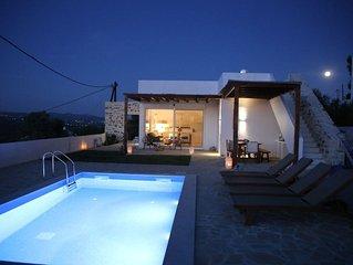 Villa in kamilari ,  Heraklion en omgeving zee en berg zicht en prive zwembad