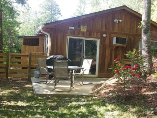Brand new cabin! Really close to town and outdoor activities. Pet friendly!