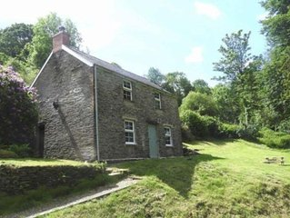 Troedyrhiw Cottage L45 per night Sunday to  Thursday
