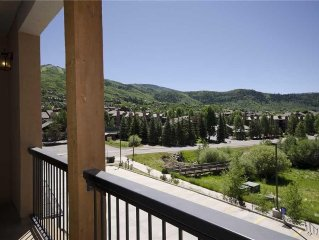 IDEAL LOCATION - Lavish interiors, great Yampa Valley views, steps from Gondola