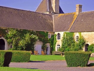 15th Century Chateau situated just minutes away from Normandy Landing Beaches
