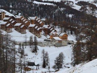 Vars - station 250km de pistes des ski / Parc Regional du Queyras (site naturel
