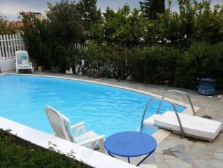 MARIA'S HOMEY WITH PRIVATE POOL, ONLY 200M FROM BEACH