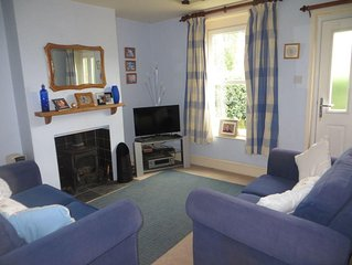 Cosy Cottage Situated On Roydon Common