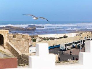 Riad tout rénové dans la médina,terrasse et vue sur l'océan