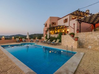 Villa Dafni! Countryside views, walking distance to shops, close to the beach!