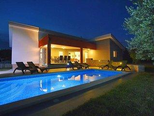 Wunderschone moderne Villa mit Pool in Krnica, nur 2.5 km bis zum Meer