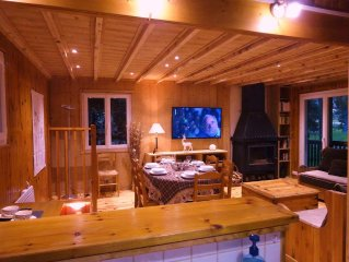 Stylish chalet, furnished with taste, quiet and comfort, at the edge of a forest