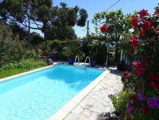 COTTAGE: 2 pièces en pleine verdure avec piscine