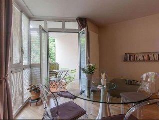 Appartement standing 50m2, asc, park et terrasse en centre historique d'Aix