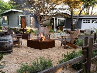 Charming Wine Country Cottage in Historic Healdsburg, Premiere Location