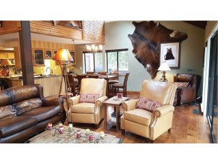Designer Furnishings, Huge Sunny Deck with gas fire pit, Chef's Kitchen