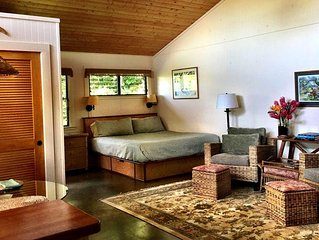 The Garden Hideaway at Lotus Farm -Private Romantic Cottage on an Organic Farm