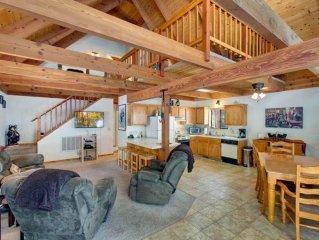 Cozy Pet Friendly Tahoe Cabin in a Quiet Neighborhood (MY76)