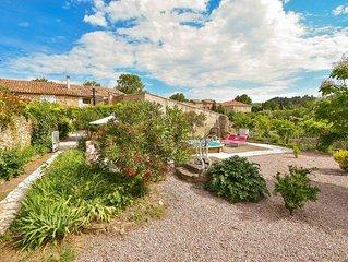 Maison 8 personnes grand jardin piscine ouvert sur nature dans village minervois