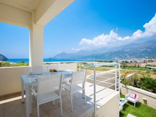 Michaela Beach Apartment! 300m to Plakias beach, walking distance to restaurants